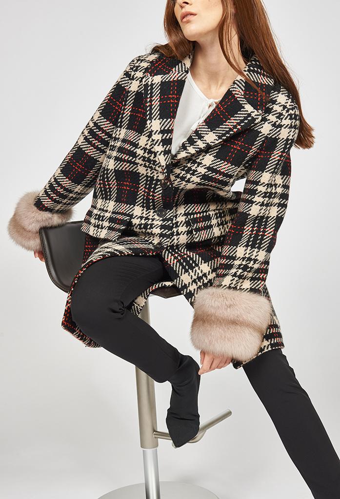 cappotto in lana a quadri fantasia tweed con polsi in zibellino russo